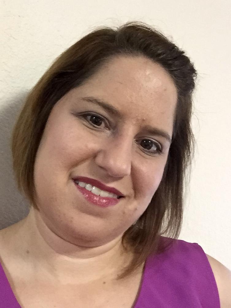 Deanna headshot IMG_4396